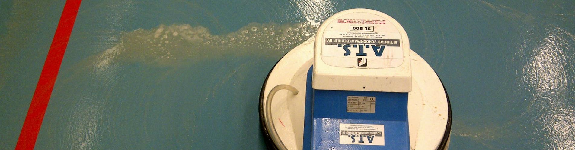 sportvloer-reiniging-ATS-schoonmaak
